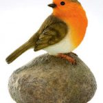decorative robin on stone - HOME ID